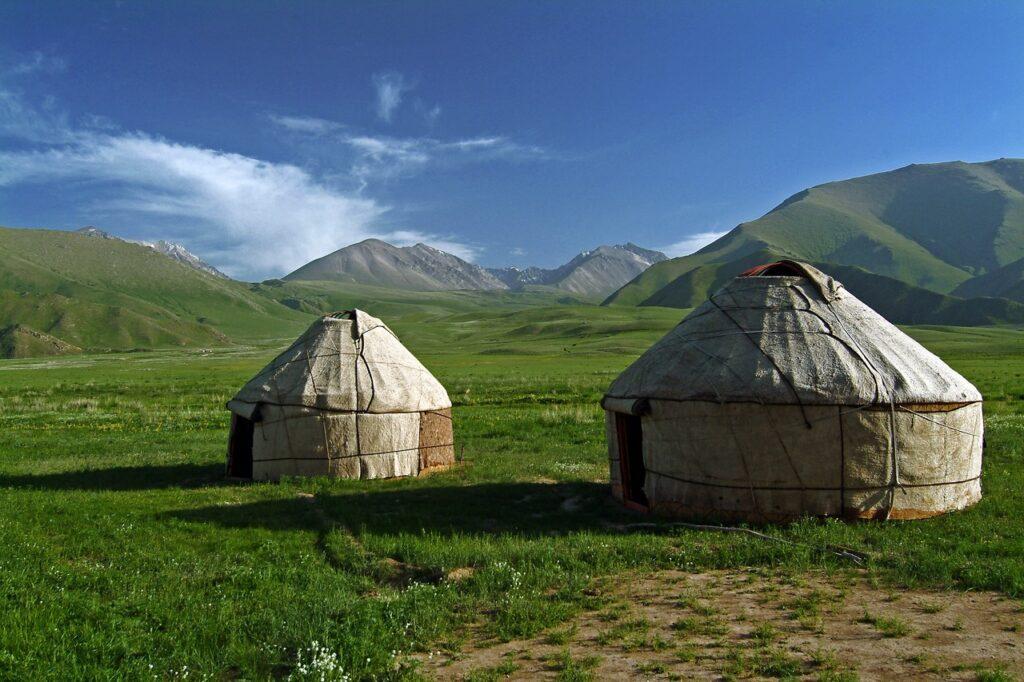 Teletrabajo en Kirguizistan. Los ulimos nomadas de Asia.
