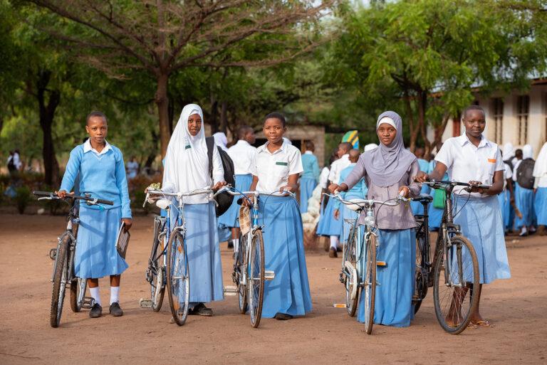 Bicicletas para las niñas de Tanzania