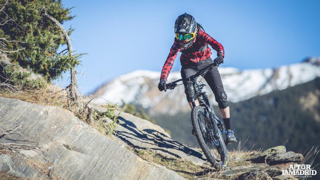 Eva Garrido Mala Biker