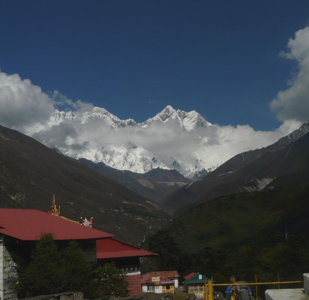 Nepal. Trekking al monasterio de Tengboche